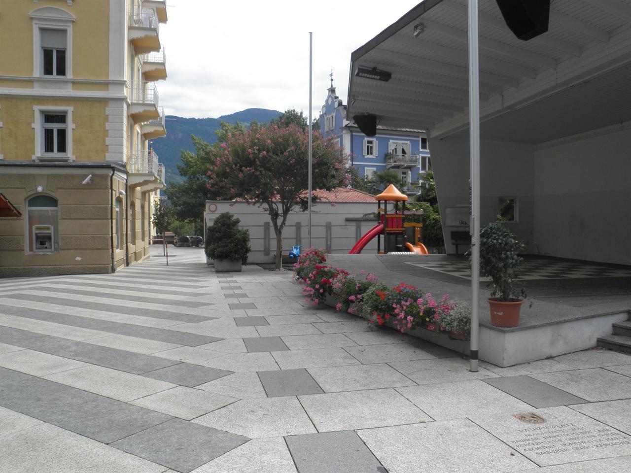 Comune Di Lana Bz piazza municipio - comune di lana - home - vita comunitaria